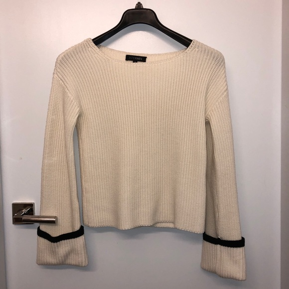 INTERMIX Sweaters - INTERMIX flared sleeves sweater new